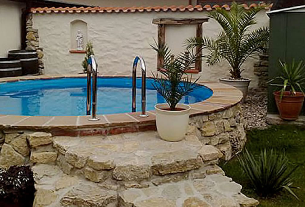 Beregnung bew sserung gartengestaltung mit naturstein for Garten pool mit filter