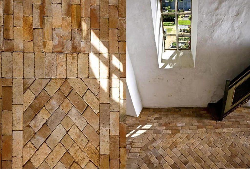 Natursteinboden in einer kirche gartengestaltung mit for Gartengestaltung leipzig