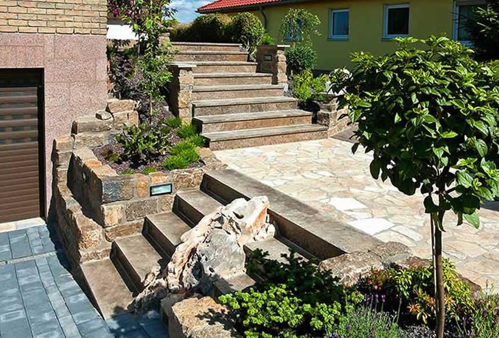 Naturstein f r mauern und treppen gartengestaltung mit for Gartengestaltung naturstein