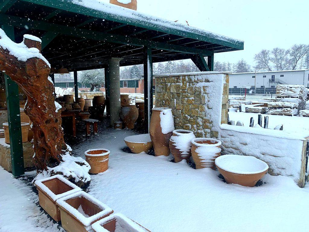 Kreta Keramik Töpfe im Winter
