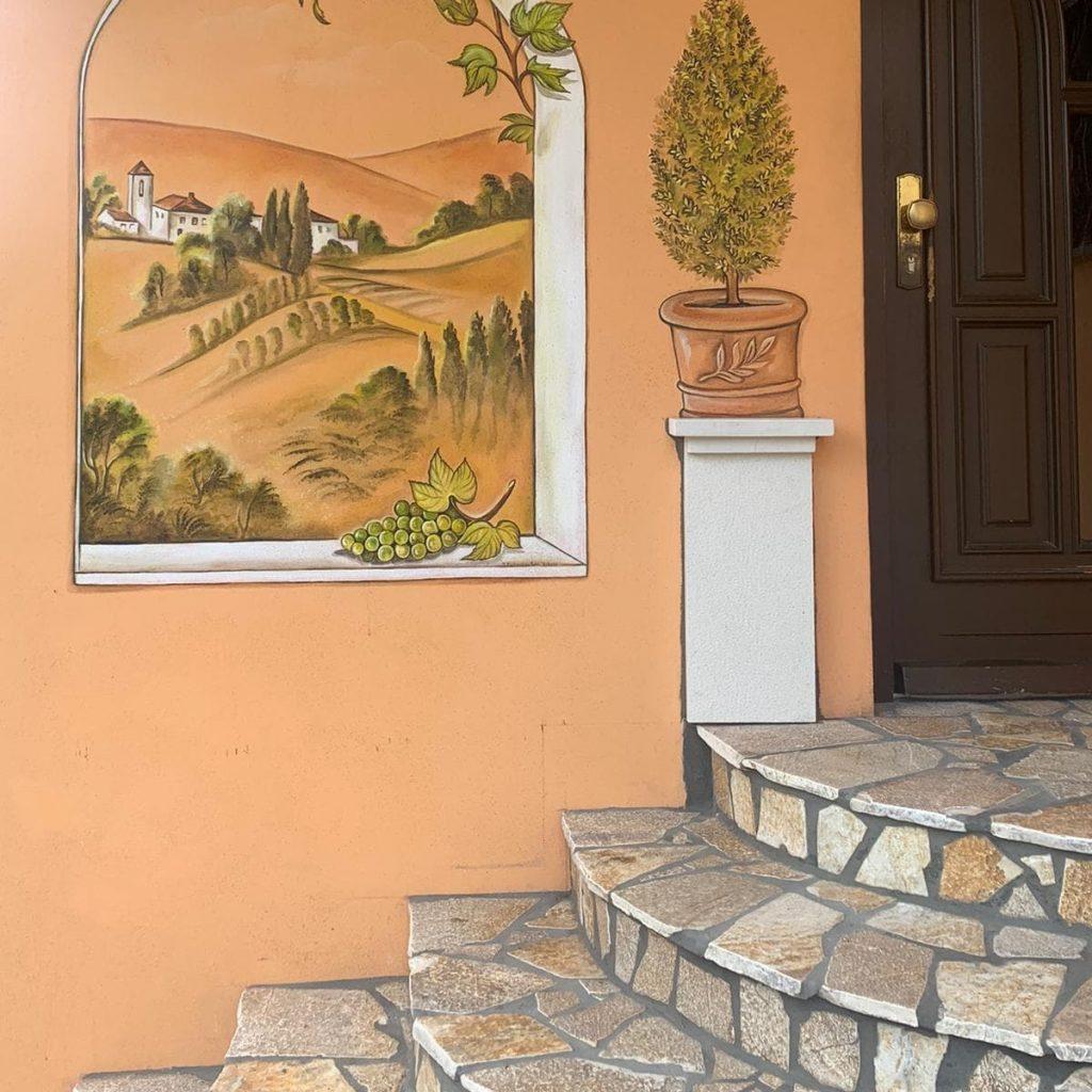 Hauseingang mit Naturstein